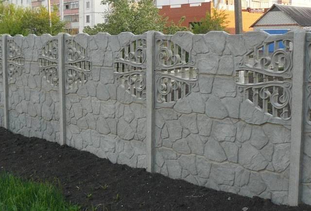 Бетонный забор в Оренбурге